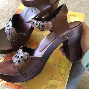 Roxy heels